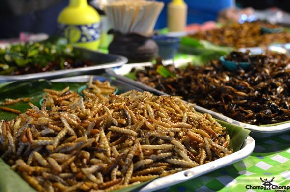 Chợ đêm Chao Fa Variety nhộn nhịp