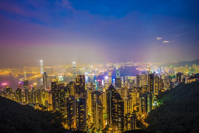 Địa điểm chụp ảnh đêm tuyệt đẹp ở Hồng Kông