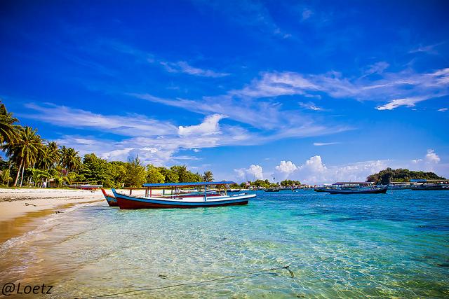 Mua vé máy bay đi Indonesia giá rẻ ở đâu?