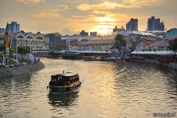 8-dieu-thu-vi-phai-thu-o-clarke-quay-va-bo-song-singapore-ivivu-1