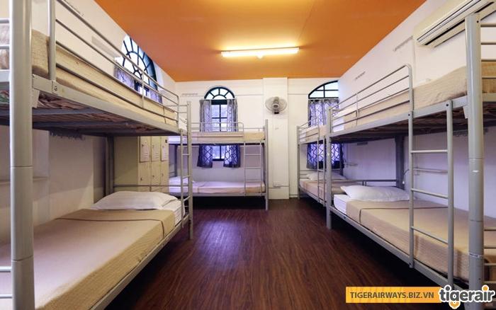 1 phòng Hostel giá rẻ ở Singapore